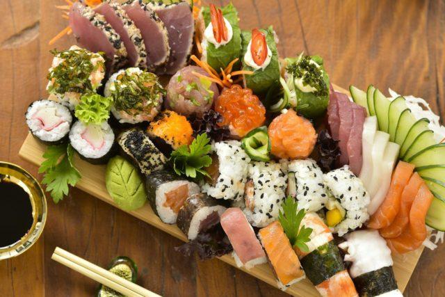 Aprendendo a fazer sushi em casa sem mistério